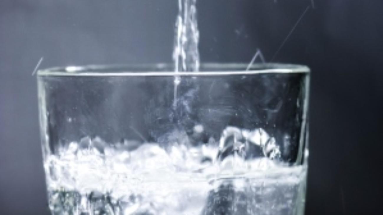 bebe mucha agua